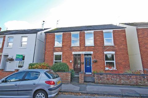 2 bedroom semi-detached house for sale - Croft Road, Charlton Kings, Cheltenham, Gloucestershire, GL53