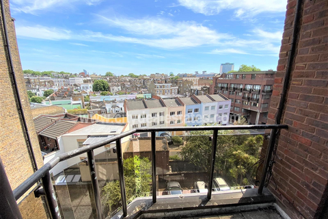 2 bedroom flat to rent - Savoy Court, Cromwell Road SW5 0UA