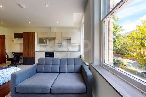 Studio to rent - Hyde Terrace, Leeds, West Yorkshire, LS2