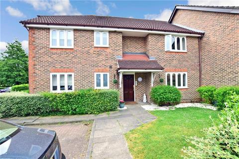 1 bedroom ground floor flat for sale - Westminster Gardens, Chingford
