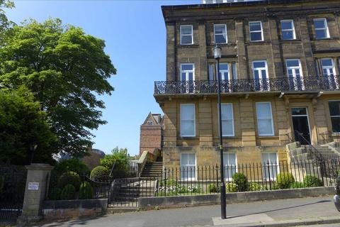 2 bedroom property to rent - Flat 9, 15 The Crescent, Scarborough