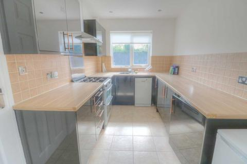 2 bedroom end of terrace house to rent - Boundary Farm Road, Halewood