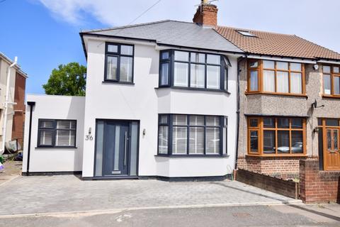3 bedroom semi-detached house for sale - Balliol Road, Wyken, Coventry, West Midlands, CV2