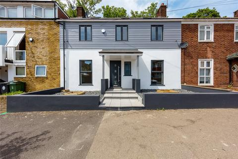 5 bedroom terraced house for sale - Upper Walthamstow Road, London, E17