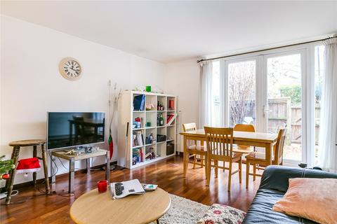 3 bedroom maisonette for sale - Sunbury Lane, London