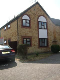 Studio to rent - Burgess Field, Chelmsford CM2