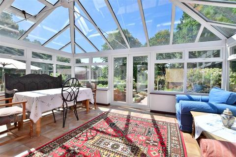 4 bedroom detached house for sale - Tonbridge Road, Hildenborough, Tonbridge, Kent