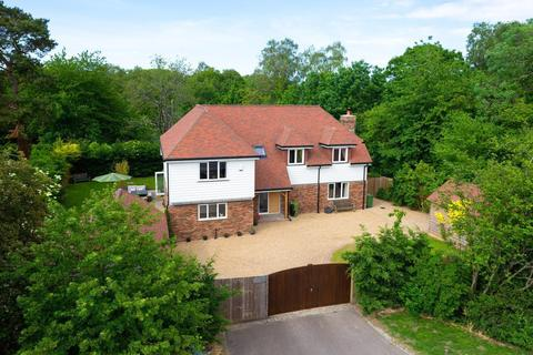 4 bedroom detached house for sale - Canterbury Road, Challock, Ashford, TN25