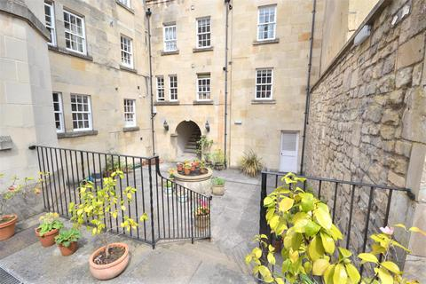 2 bedroom apartment to rent - Bartletts Court, Widcombe Parade, Bath, Somerset, BA2