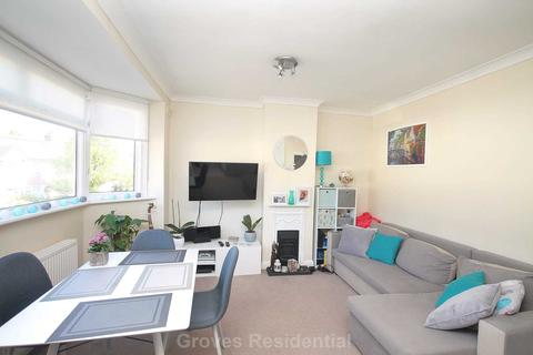 2 bedroom flat to rent - Tennyson Avenue, New Malden