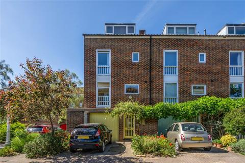 4 bedroom end of terrace house for sale - Chiswick Staithe, Hartington Road, London