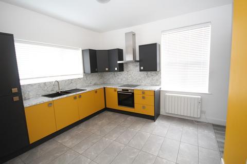 3 bedroom flat to rent - High Street, Saltney