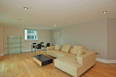 2 bedroom flat for sale - Bridge House, St George Wharf, Vauxhall, London, SW8