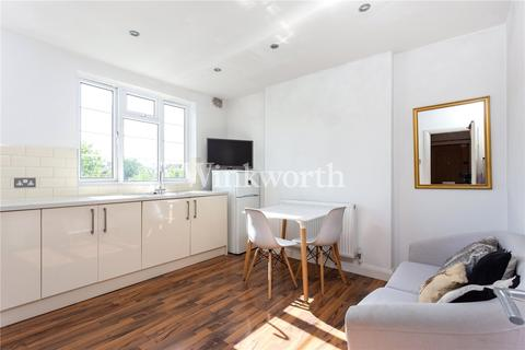 2 bedroom flat for sale - Langham Close, Turnpike Lane, London, N15