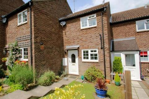 2 bedroom terraced house to rent - Estcots Drive, RH19