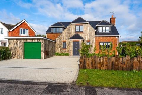 3 bedroom detached house for sale - Broadmark Way, Rustington