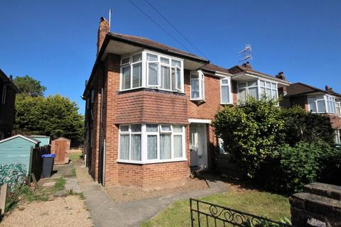 2 bedroom flat for sale - Bruce Avenue, Worthing