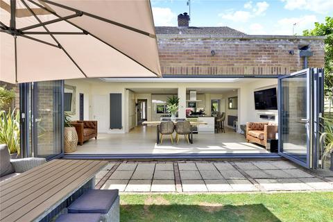 4 bedroom detached house for sale - Busbridge, Godalming, Surrey, GU7