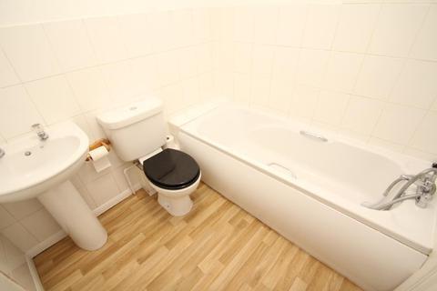2 bedroom terraced house to rent - Hazel Close, Portslade, East Sussex, BN41 2GR