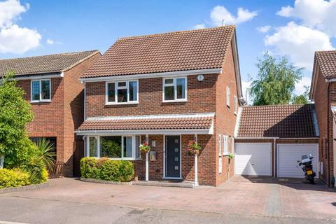 5 bedroom detached house for sale - Portman Close, Bexley
