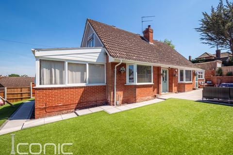 4 bedroom chalet for sale - St. Andrews Avenue, Thorpe St Andrew, Norwich