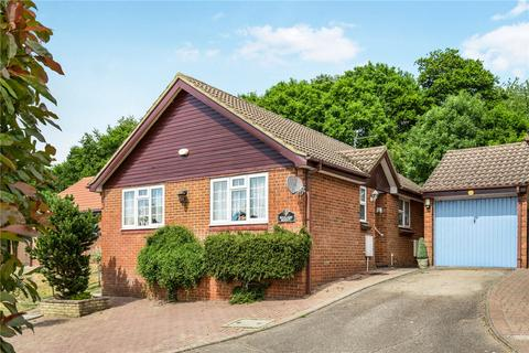 2 bedroom bungalow for sale - Stanier Rise, Berkhamsted, Hertfordshire, HP4
