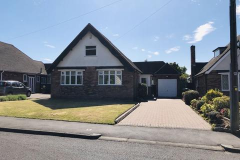 2 bedroom detached bungalow for sale - Grosvenor Avenue, Streetly