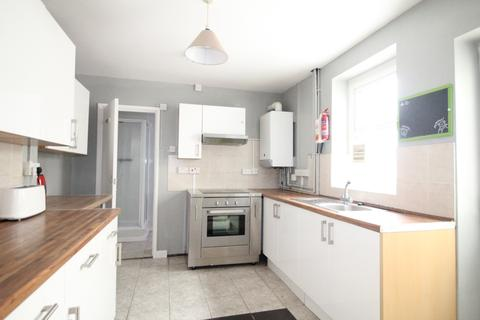 4 bedroom house to rent - Queen Street, Treforest,