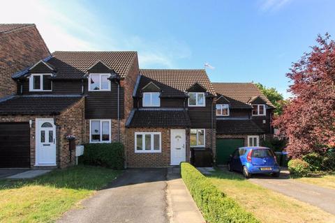 3 bedroom terraced house for sale - Badgers Meadow, Aylesbury