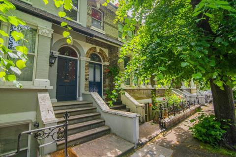 4 bedroom terraced house for sale - Linden Gardens, Chiswick W4