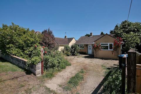 3 bedroom detached bungalow for sale - Eynsham Road CASSINGTON