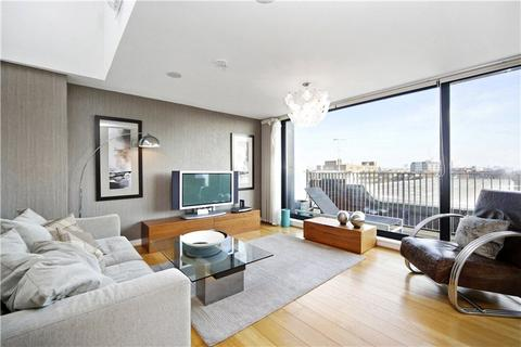 3 bedroom flat to rent - Bazalgette Court, Great West Road, London