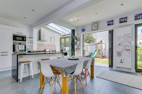 4 bedroom end of terrace house for sale - Heathfield Gardens, London, w4