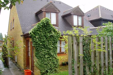 1 bedroom semi-detached house to rent - Cygnet Court, Wickford, Essex