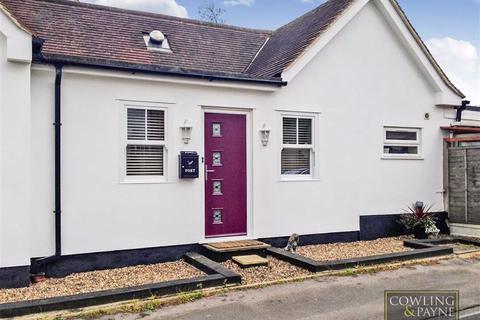 3 bedroom detached bungalow to rent - Church Road, Ramsden Heath, Essex
