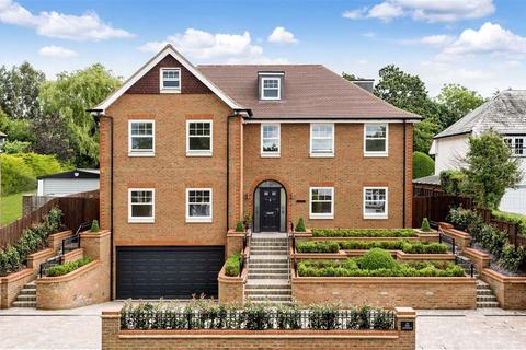 6 bedroom detached house for sale - The Avenue, Potters Bar, Hertfordshire
