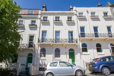 2 bedroom flat for sale - Roundhill Crescent