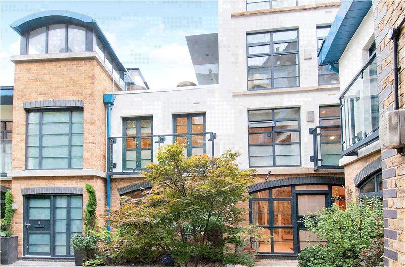 2 Bedrooms Flat for rent in Endell Street, Covent Garden, London
