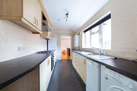 5 bedroom terraced house to rent - £65pppw - Biddlestone Road, Heaton, NE6