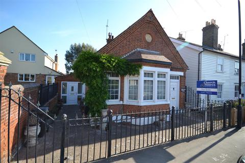 3 bedroom detached bungalow for sale - Station Road, Southminster