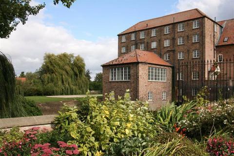 2 bedroom flat to rent - The Corn Mill, Stamford Bridge