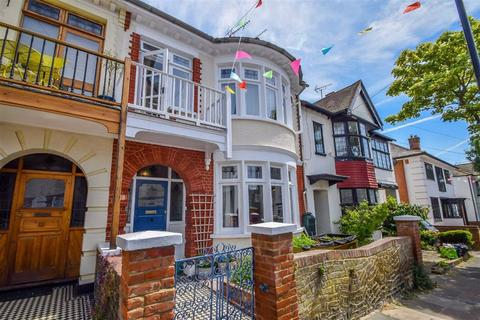 3 bedroom terraced house for sale - Highcliff Drive, Leigh-on-sea, Essex
