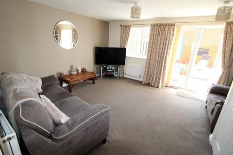 3 bedroom end of terrace house for sale - Halleypike Close, Blyth