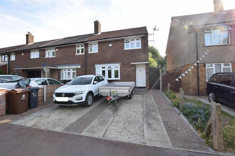 3 bedroom end of terrace house for sale - Hazel Grove, Chadwell Heath