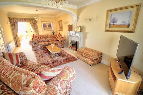 2 bedroom detached bungalow for sale - Walsall Road, Great Barr, Birmingham
