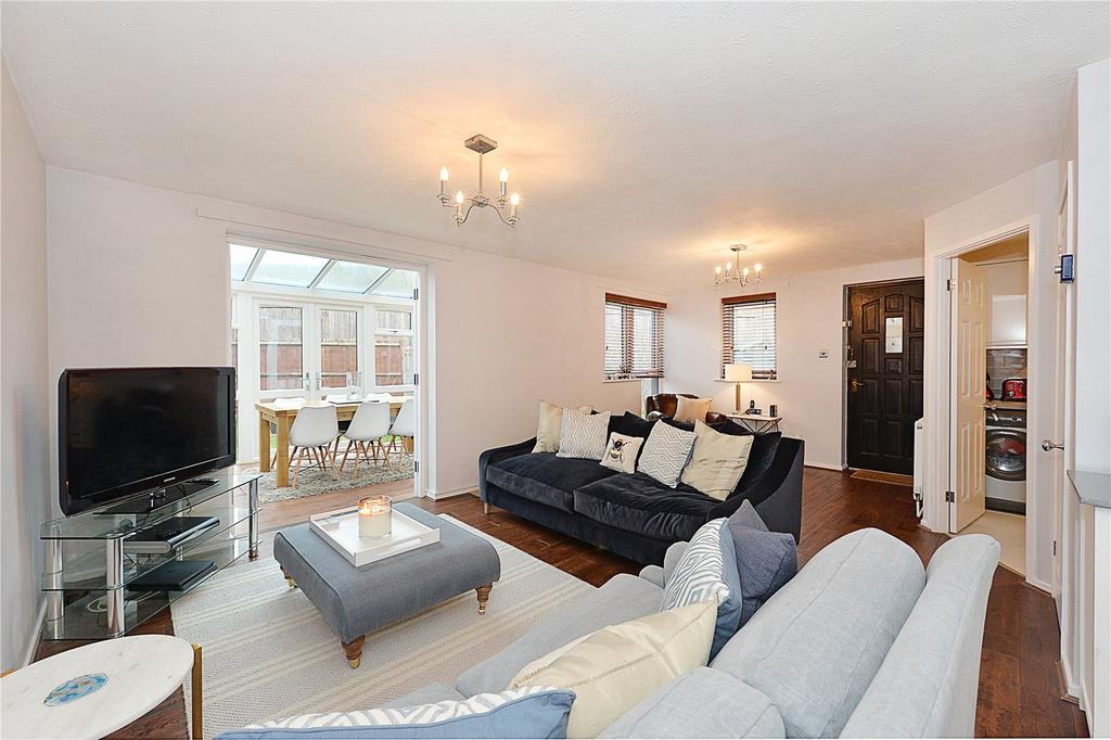 3 Bedrooms Semi Detached House for sale in Friars Mead, London