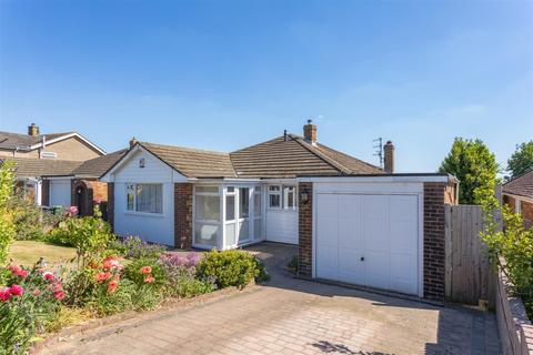 4 bedroom detached bungalow for sale - Windmill Drive, Westdene, Brighton