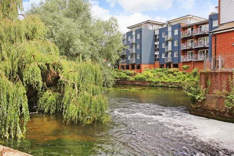 1 bedroom apartment for sale - Waters Edge, Canterbury