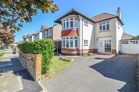 4 bedroom detached house for sale - Connaught Gardens, Shoeburyness