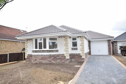 3 bedroom detached bungalow for sale - 3 Stratford Road, Holland-on-Sea, Clacton-on-Sea